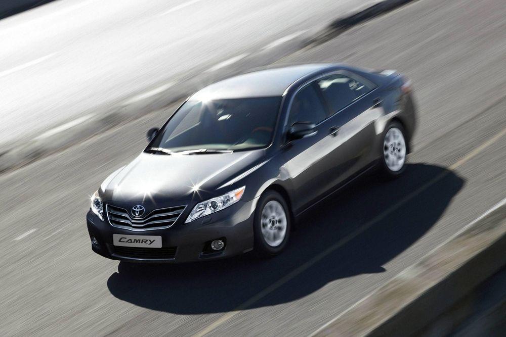 Toyota Camry. Стоимость: от 1 460 000 рублей до 1 782 000 рублей.