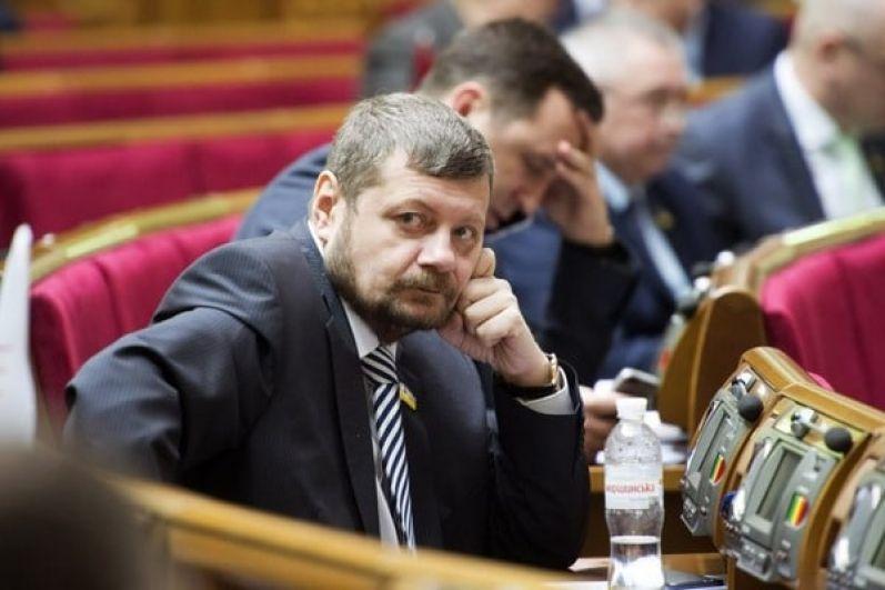 Отвечая на вопрос, как ему удалось так сильно похудеть, Мосийчук отправил журналистов за рецептом к бывшему генпрокурору Виктору Шокину