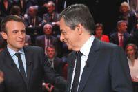 Эммануэль Макрон и Франсуа Фийон.