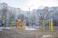 На месте детской площадки сейчас мог бы стоять 12-этажный дом.