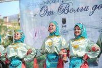 Фестивали нацкультур демонстрируют, что регион живёт единой семьёй.