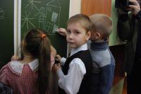 На уроках детей учат самостоятельно добывать информацию.