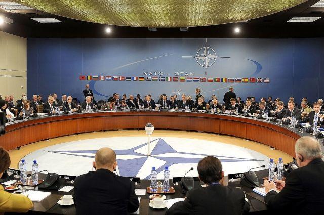 Трамп посетит саммит НАТО, который пройдет 25мая вБрюсселе