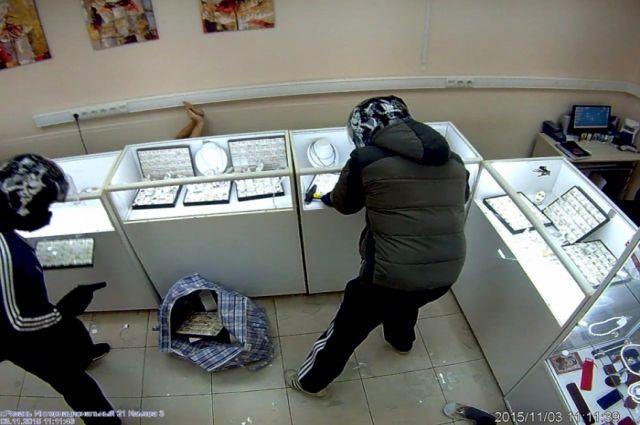 ВКазани задержали разбойников, нападавших вмасках наювелирные магазины