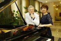 Музыканты Евгений Чеботарёв и Наталия Клименко побывали во многих странах мира, но чаще их гастроли проходят на территории от Мариинска до Таштагола.