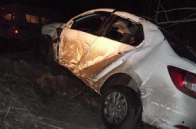 ВПензенской области иностранная машина слетела вкювет иврезалась вдерево