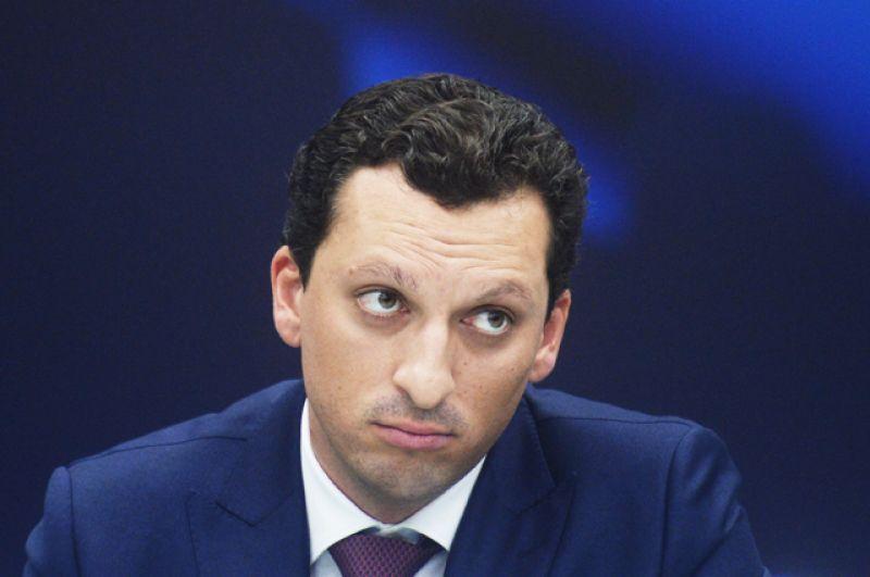 Кирилл Шаманов, 34 года. 34-летнему россиянину Кириллу Шаманову принадлежит 17% акций «Сибура», которые он купил у Геннадия Тимченко. Молодой человек владеет капиталом в 1,3 млрд долларов и занимает 1567 место в глобальном рейтинге Forbes.