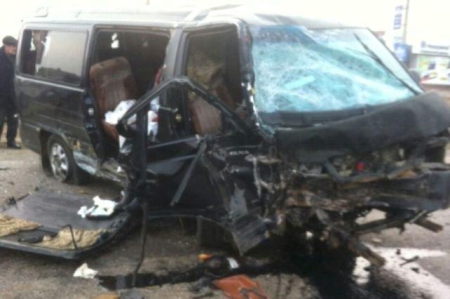 ВХомутово вДТП погибла пассажирка маршрутки Усть-Орда— Иркутск