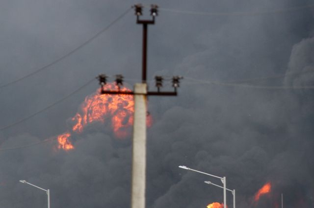Появилось видео сместа пожара наскладе боеприпасов под Харьковом