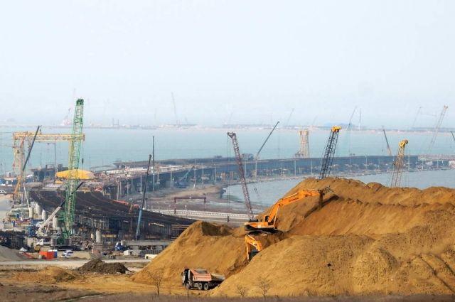 ВКерчи открылась выставка «Крымский мост. Фантастическая реальность»