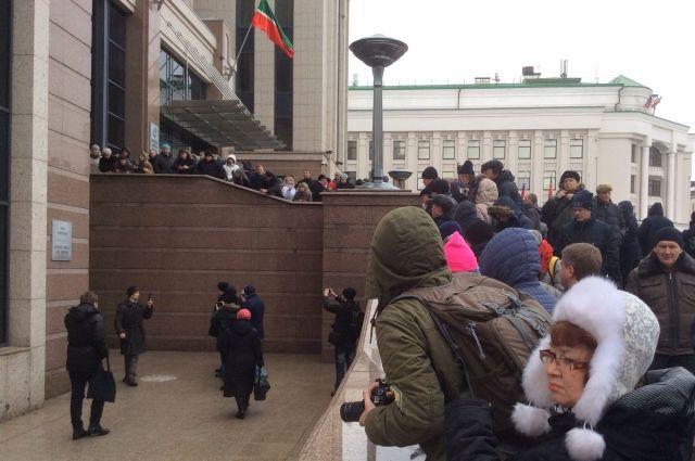 ВКазани активистку вкладчиков ТФБ Александру Юманову оштрафовали за«штурм» руководства