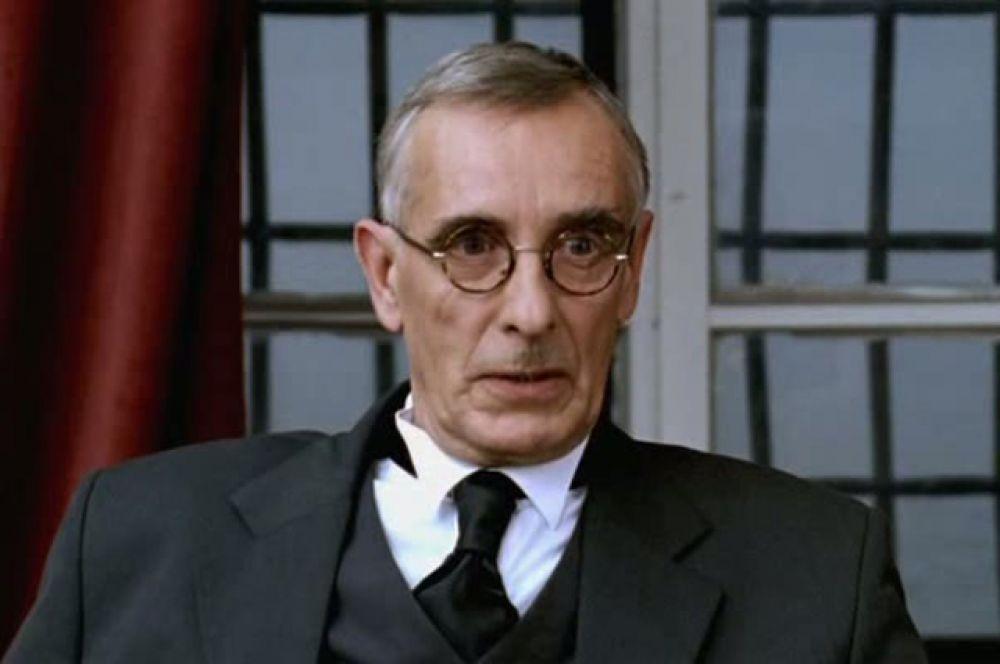 Артур Иванович Неуман, начальник Политической полиции Эстонии в фильме «Исаев», 2009 год.