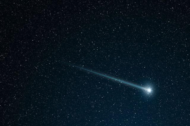 В небе над Иркутском пролетел зеленый метеор