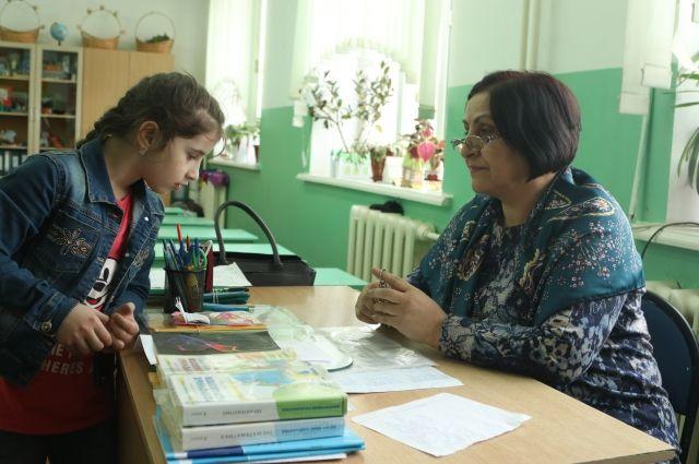 Малахов пригласил дагестанскую девочку напередачу «Пусть говорят»