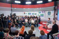 Телевизионная версия пресс-конференции выйдет в эфир телеканала «Югра» в 19:30.