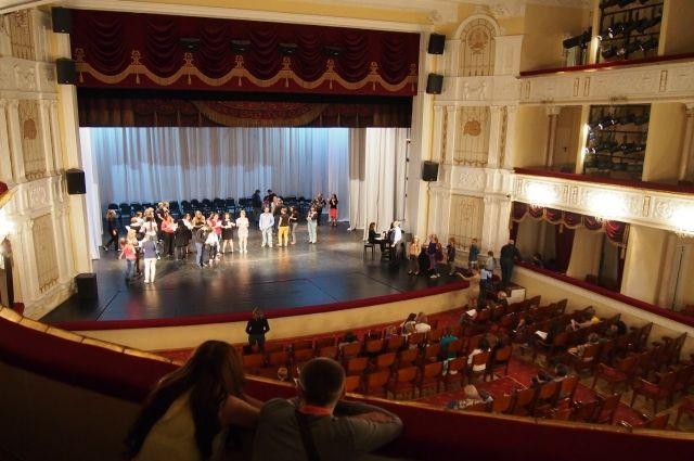 Купить билеты музыкальный театр петрозаводск шоу с дельфинами в сочи билеты