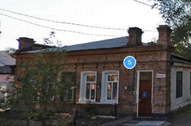 Дом 5 по переулку Коммунальному Оренбурга.