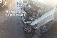 Виновник ДТП и его пассажир получили серьезные травмы.