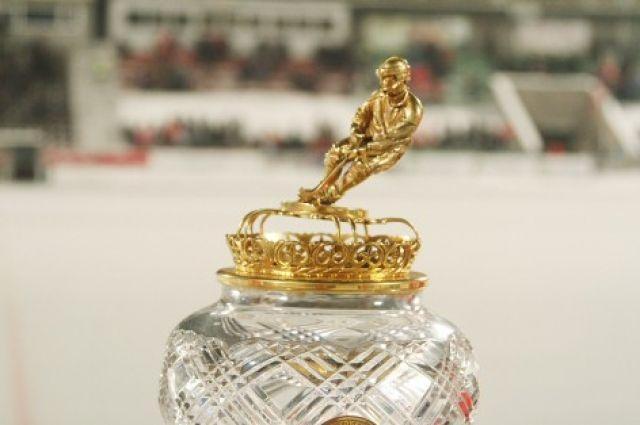 Поражение хабаровчанам лишило красноярцев титула чемпионов России. До этого «Енисей» брал чемпионские кубки в 2014, 2015 и 2016 годах.