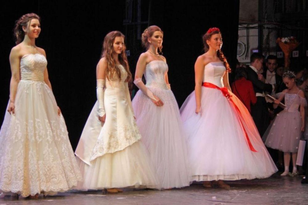 За титул «Ростовчанка – 2017» поборолись восемь девушек.