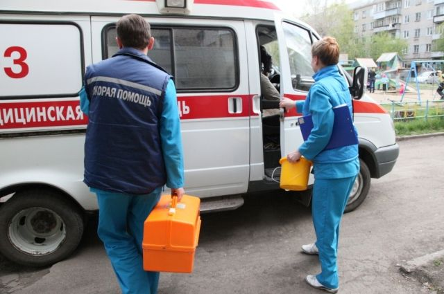 НаНародной вПетербурге иностранная машина насмерть сбила мужчину нарегулируемом пешеходном переходе