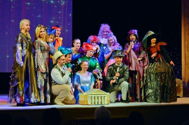27 марта в понедельник профессиональный праздник отметят тысячи любителей и поклонников театрального искусства.