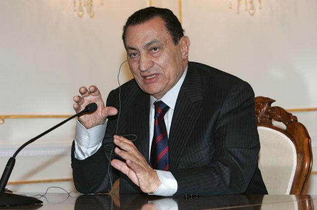 Мубарак вернулся домой из военного госпиталя