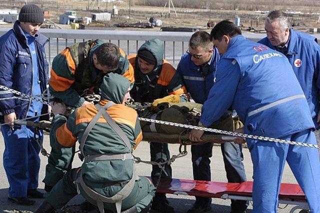 Ямальские спасатели стали вторыми в конкурсе профмастерства в УрФО.