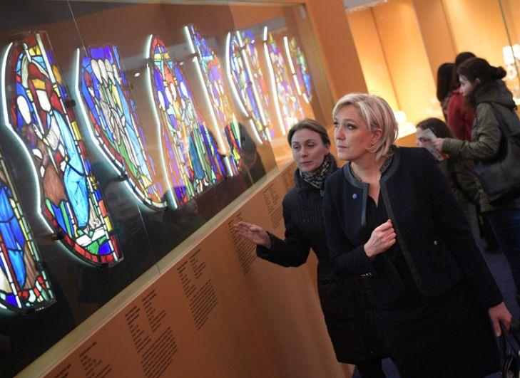 Перед встречей с президентом она также посетила музеи Кремля.