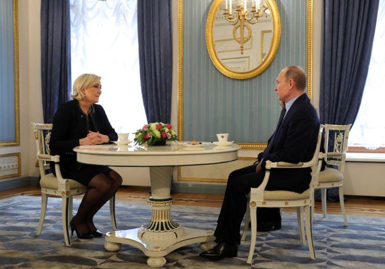 На встрече политики обсудили отношения России и Франции, а также борьбу с терроризмом.