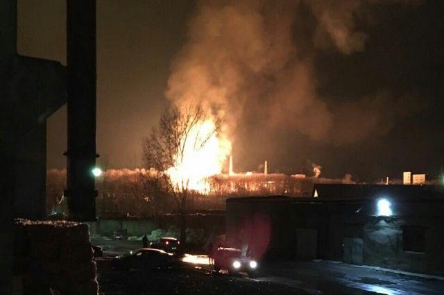 Пожарные тушат возгорание на Казанском пороховом заводе