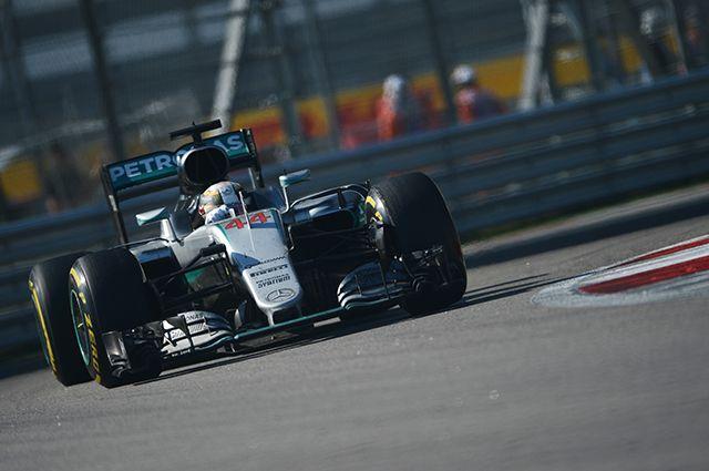 Квалификацию Гран-при Австралии «Формулы-1» выиграл Хэмилтон