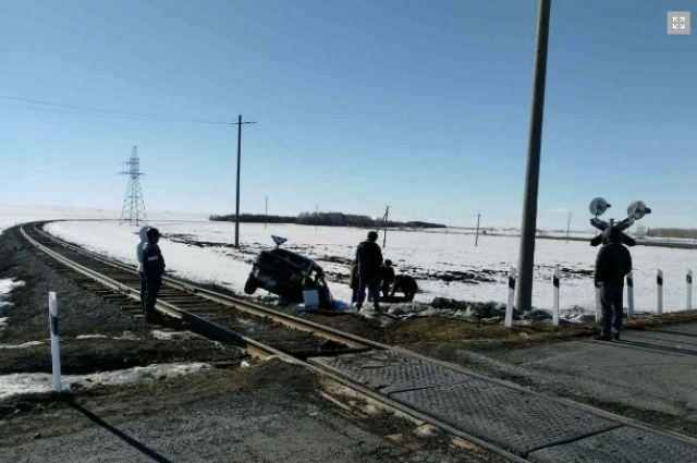 В Тюльганском районе в ДТП с тепловозом погиб парень