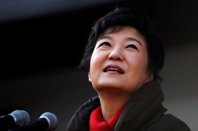 Генпрокуратура Южной Кореи потребовала арестовать экс-президента Пак Кын Хе