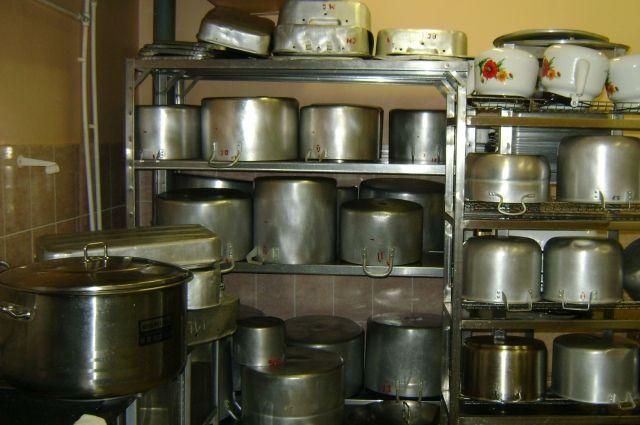 СКпроверяет грязный склад под Оренбургом, где делали питание для детсадов