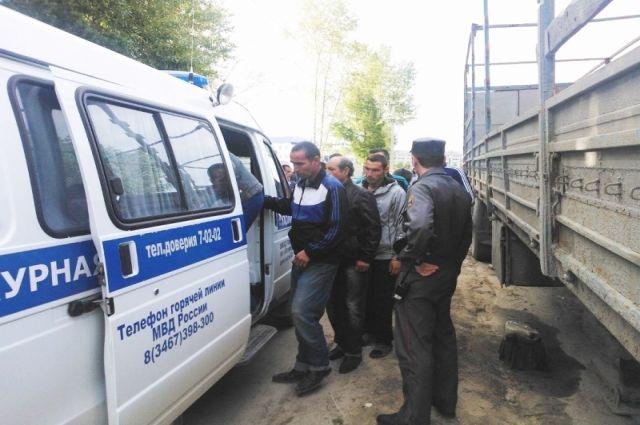 Жительница Тегульдета нелегально поставила намиграционный учет 8 жителей Китая