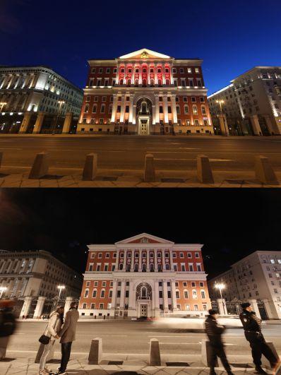 Здание мэрии Москвы с подсветкой и во время её отключения.