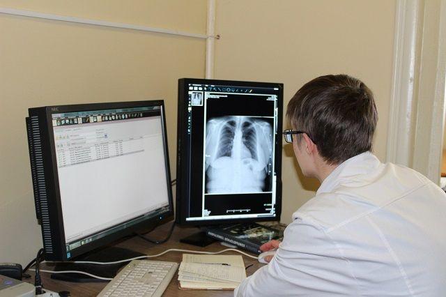 Мужчины болеют туберкулезом примерно в четыре раза чаще женщин.