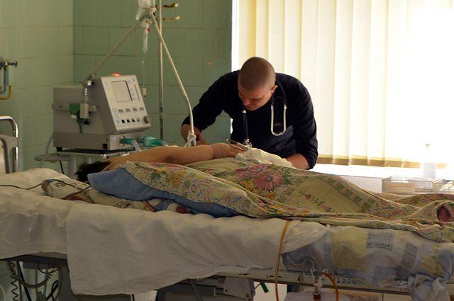 ВЯлте мужчина упал наарматуру вкотловане недостроя