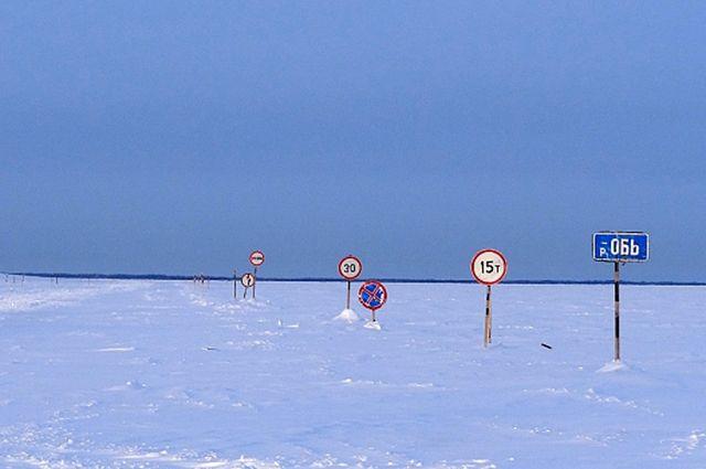 На Ямале погода вносит коррективы в работу зимников.