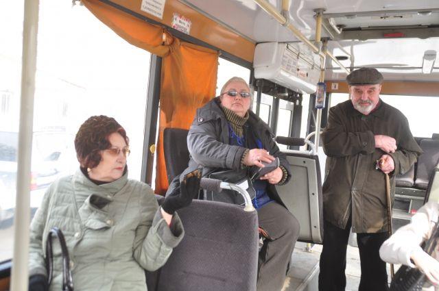 Омичи всё чаще стали выбирать муниципальный транспорт.