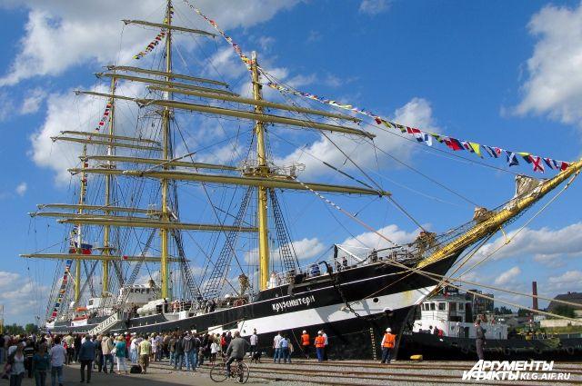 Во время ЧМ-2018 барк «Крузенштерн» будет принимать гостей в Калининграде.