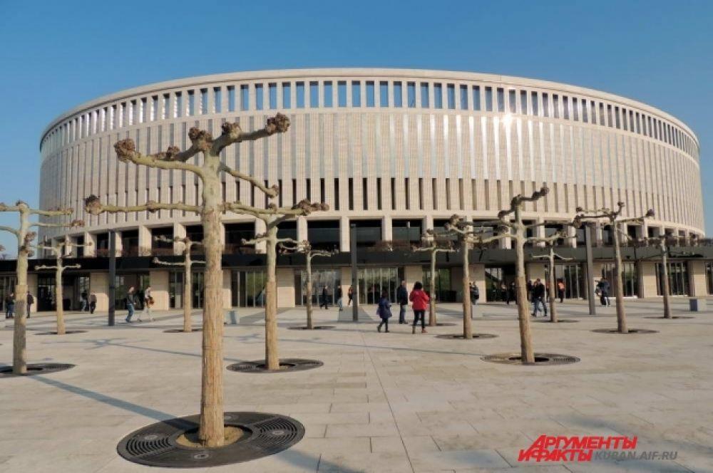 Игра проходила на новом стадионе ФК «Краснодар».