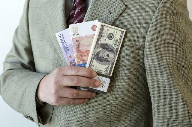 В лишенных лицензиях банках обнаружили хищения вкладов на 57 млрд рублей