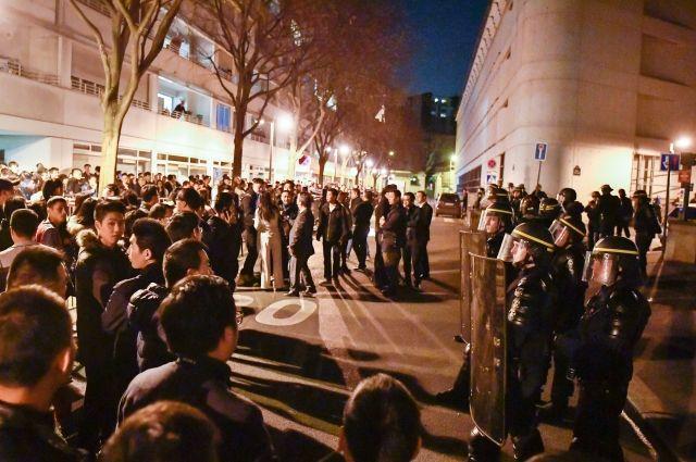 Беспорядки после убийства мужчины полицейским начались в Париже
