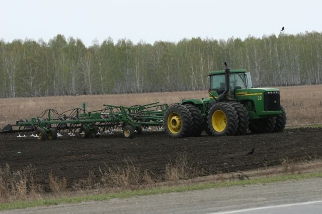 Анатолий Литовченко предложил изымать необрабатываемую землю иотдавать наконкурсной основе