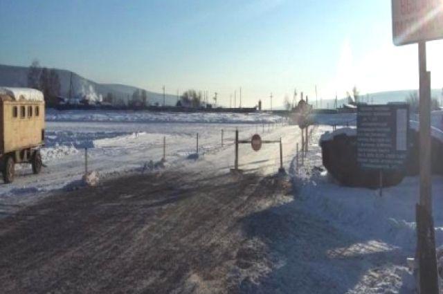 В Иркутской области постепенно закрывают ледовые переправы.