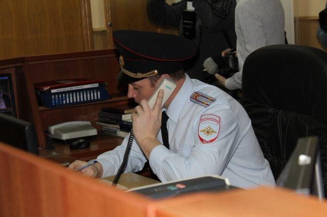 ВКрасноярске 2-летний ребенок упал вмагазине совторого этажа