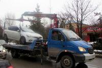 Автомобиль истца «ВА3-21140» за нарушение правил парковки был задержан и помещен на специализированную стоянку.