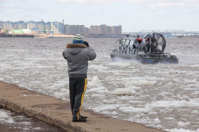 По прогнозам синоптиков, ледоход в районе Нижнего Новгорода этой весной начнётся на неделю раньше обычного.